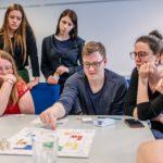 Eksperimentalni projekt 'Živeti odrast' – predavanje in testiranje igre Game-Changers