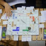 Testiranje namizne igre o alternativnih ekonomijah 'Game-Changers' v Ljubljani